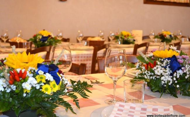 allestimento ristorante matrimonio con girasoli e peperoncini